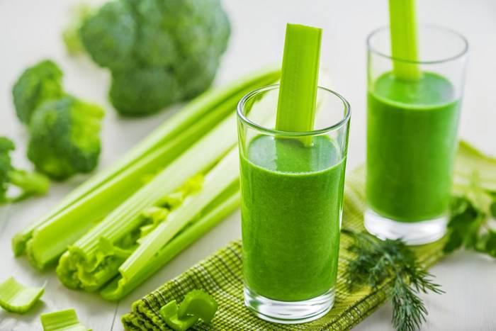 зеленый коктейль из овощей